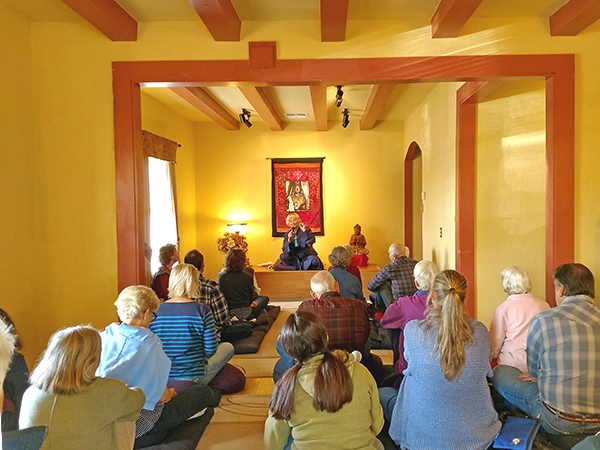 Teaching Sessiong at the Dharma & Meditation Center in Kingman